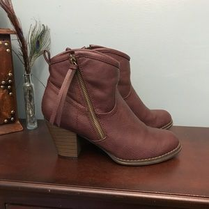 Just Fab faux leather boots